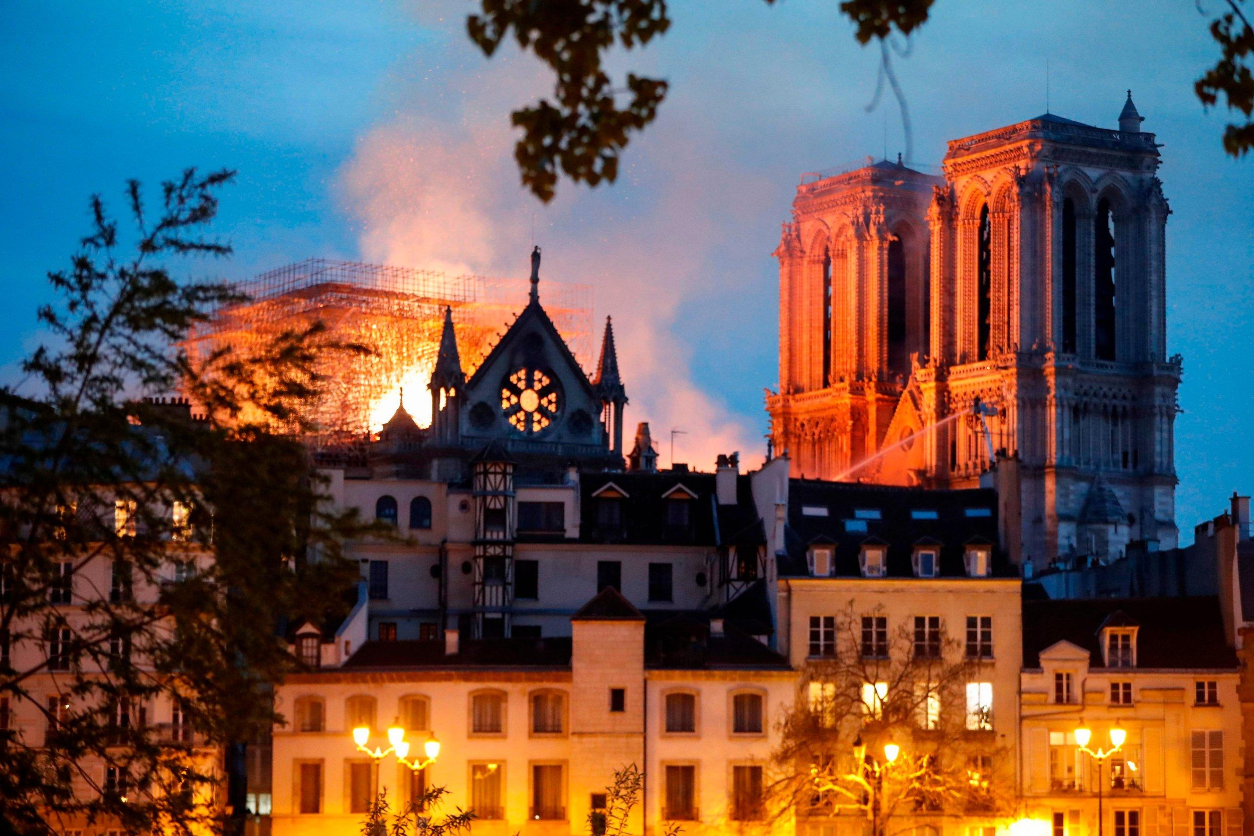 巴黎圣母院-11